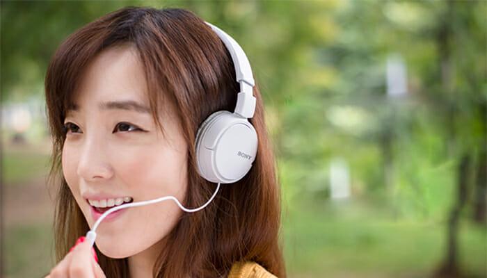 หูฟัง Sony หูฟังพร้อมไมค์ รุ่น MDRZX110APW