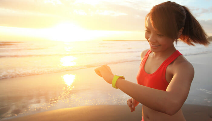 smart-watch-girl-jogging