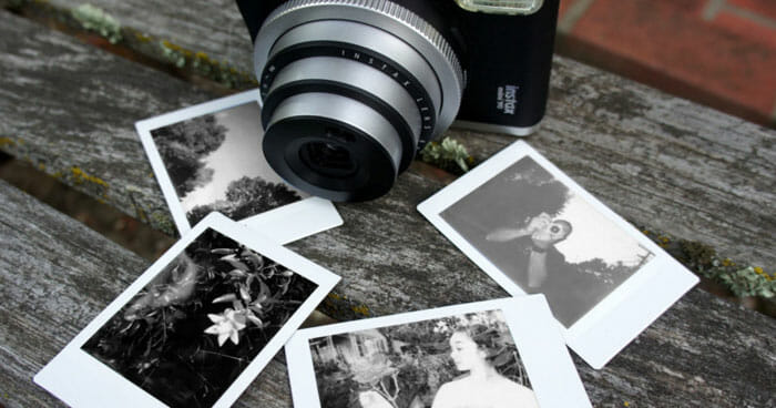 Fujifilm Instax mini Monochrome Film (ฟิล์มภาพขาว-ดำ) จำนวน 10 แผ่น