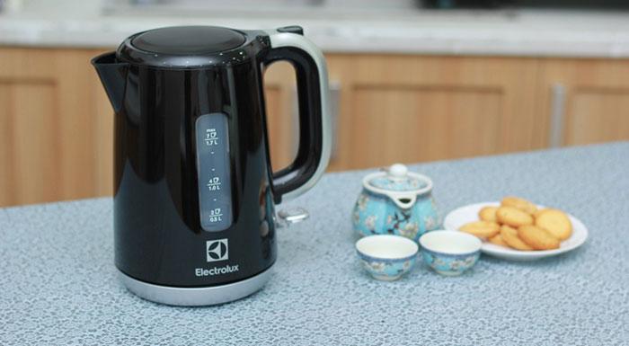 Electrolux กาต้มน้ำไฟฟ้า รุ่น EEK3505 1.7 ลิตร